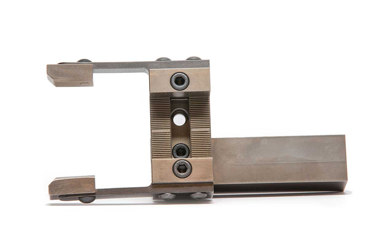 Large 180 square shank side view